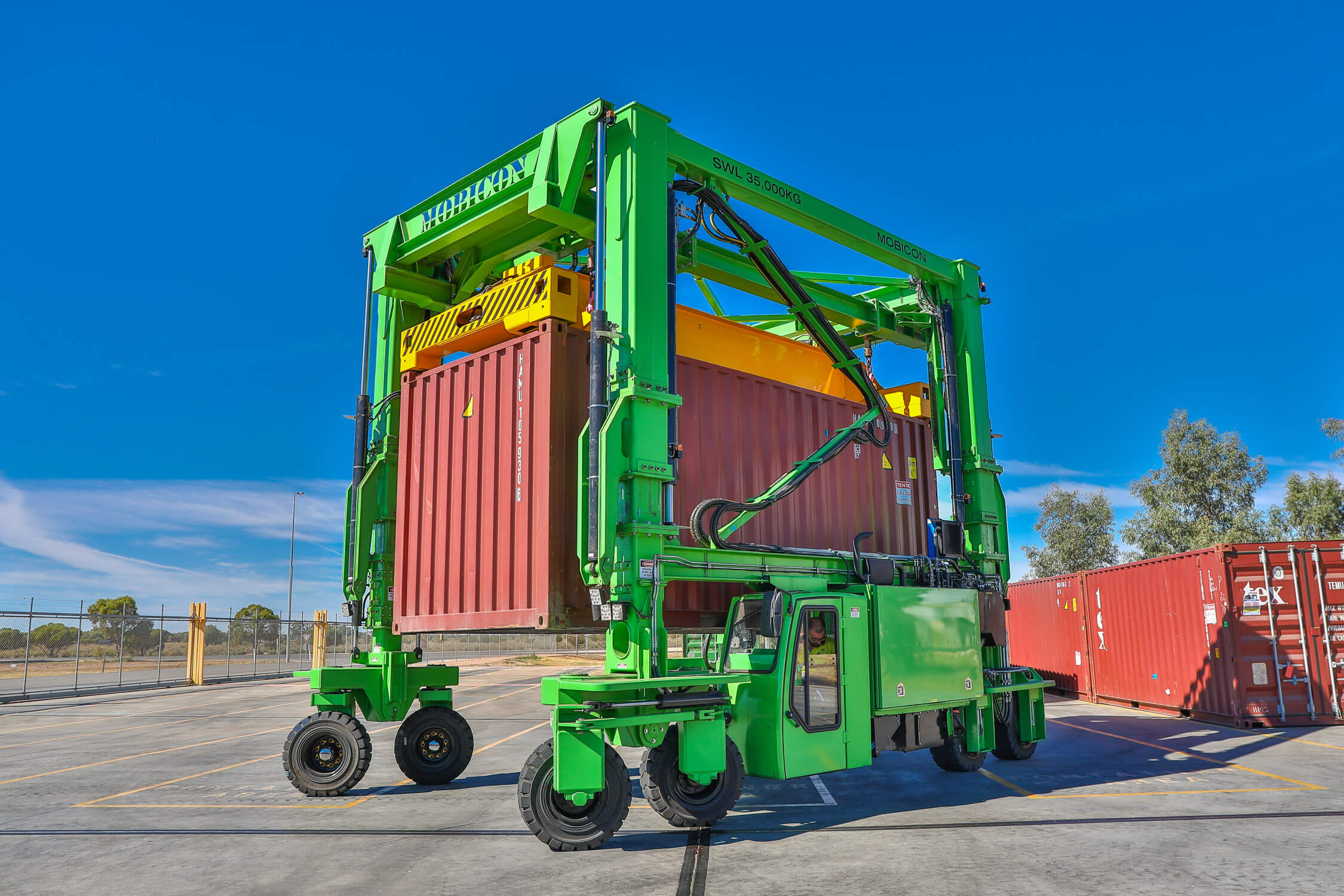 Finding the Best Container Handling Solution for your Business