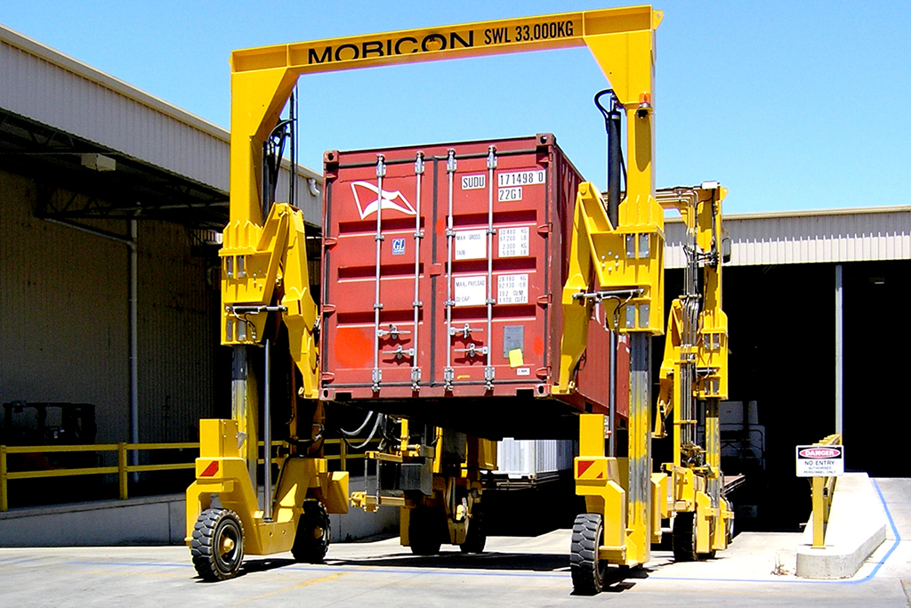 Mobicon Systems – Safer More Reliable Straddle Carriers